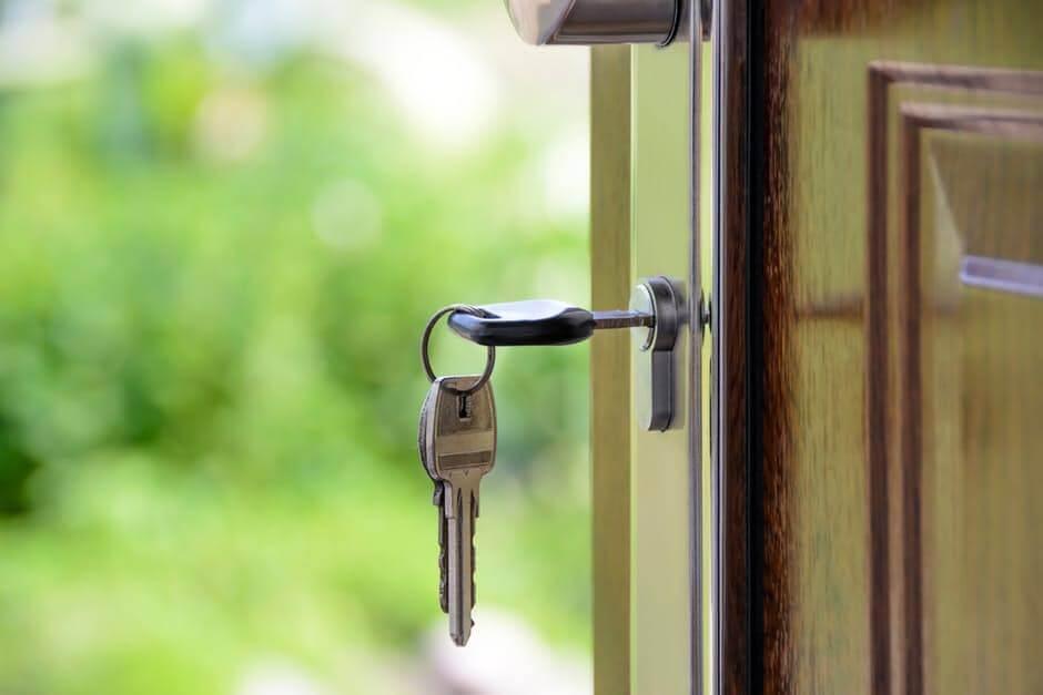 Milyen a jó  biztonsági ajtó otthonunk védelmére?