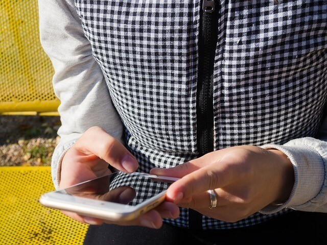 zárnyitás mobillal