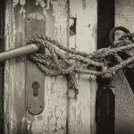 Hogyan válasszunk ajtót és zárbetétet, avagy a betörők zárnyitásának nehezítése?