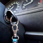 Nem kell kétségbeesned egy bezárt autókulcs miatt!