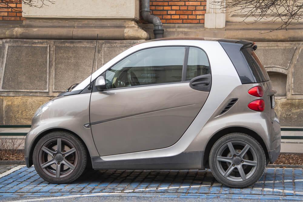 Smart autónyitás- kis autó nagy gondja